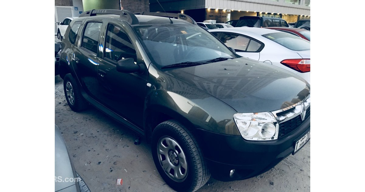 renault duster for sale aed 26 500 green 2015. Black Bedroom Furniture Sets. Home Design Ideas