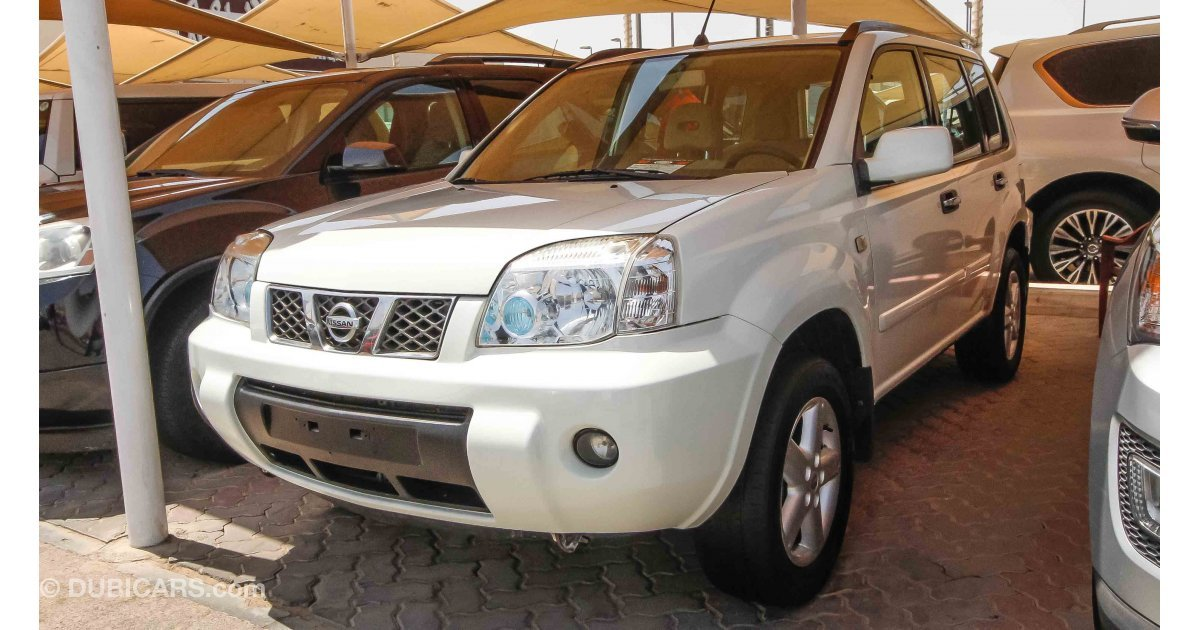 Nissan X Trail for sale AED 19 000 White 2012