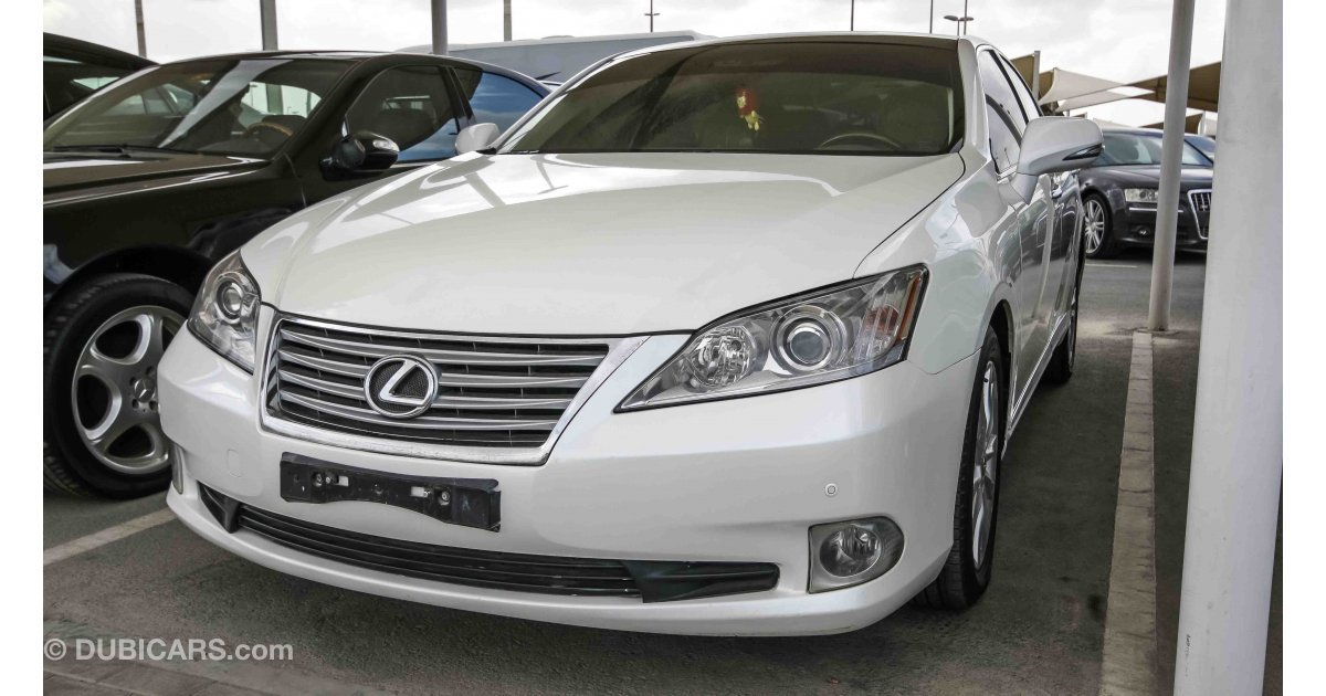 lexus es 350 for sale aed 35 000 white 2012. Black Bedroom Furniture Sets. Home Design Ideas