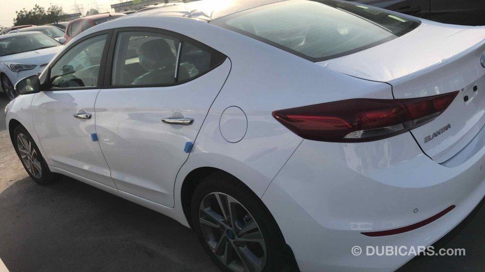 Hyundai Elantra for sale: AED 55,000. White, 2018