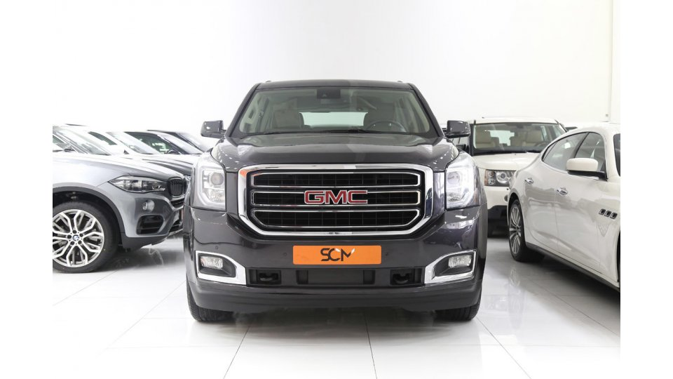 Gmc yukon slt for sale aed 125 000 grey silver 2015 for Gmc motors near me