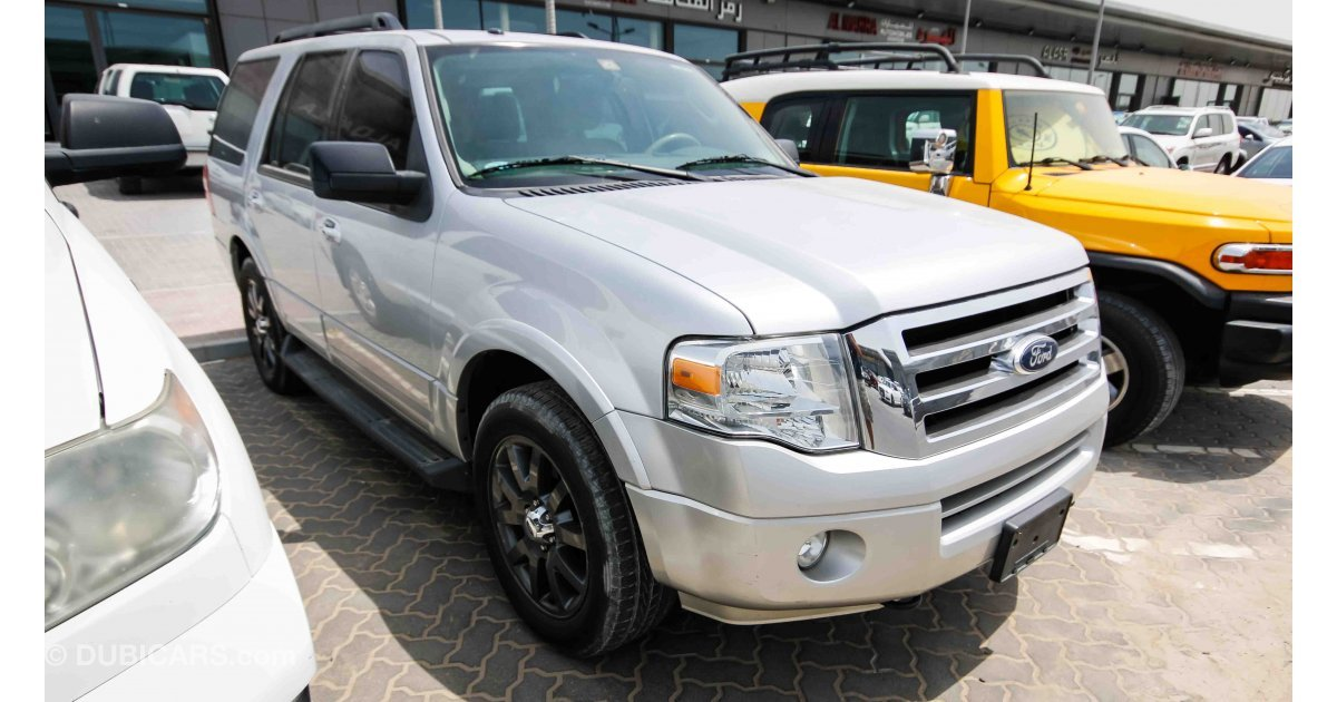 ford expedition xlt for sale aed 35 000 grey silver 2012. Black Bedroom Furniture Sets. Home Design Ideas