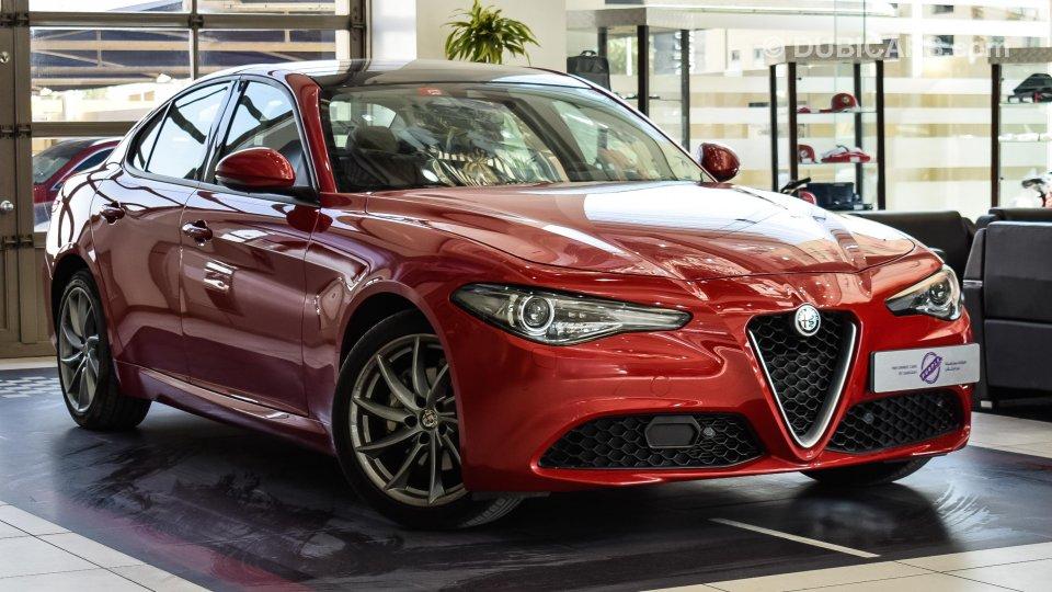 Alfa Romeo Giulia for sale: AED 111,995. Red, 2018