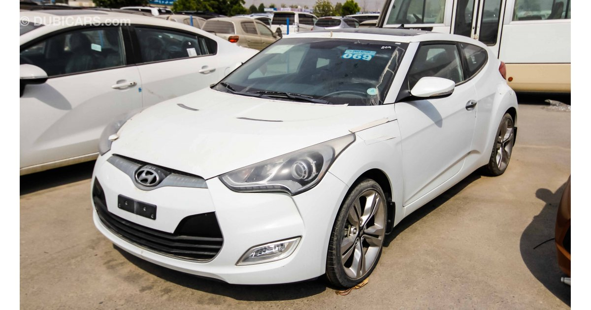 hyundai veloster for sale aed 55 000 white 2014. Black Bedroom Furniture Sets. Home Design Ideas