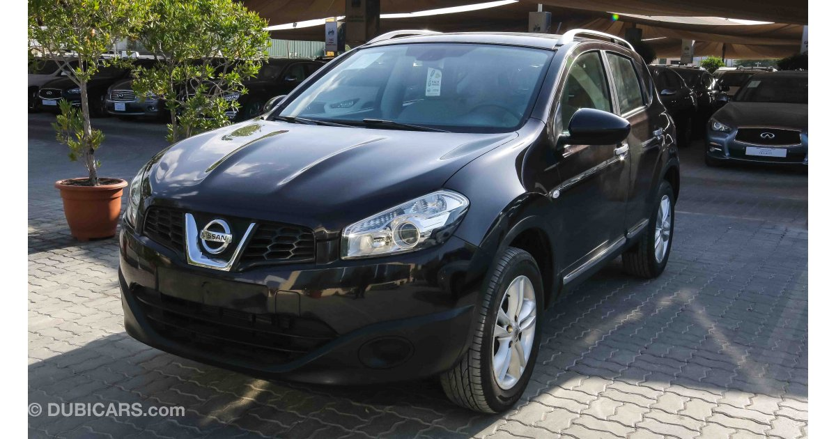 nissan qashqai se for sale aed 39 900 black 2013. Black Bedroom Furniture Sets. Home Design Ideas