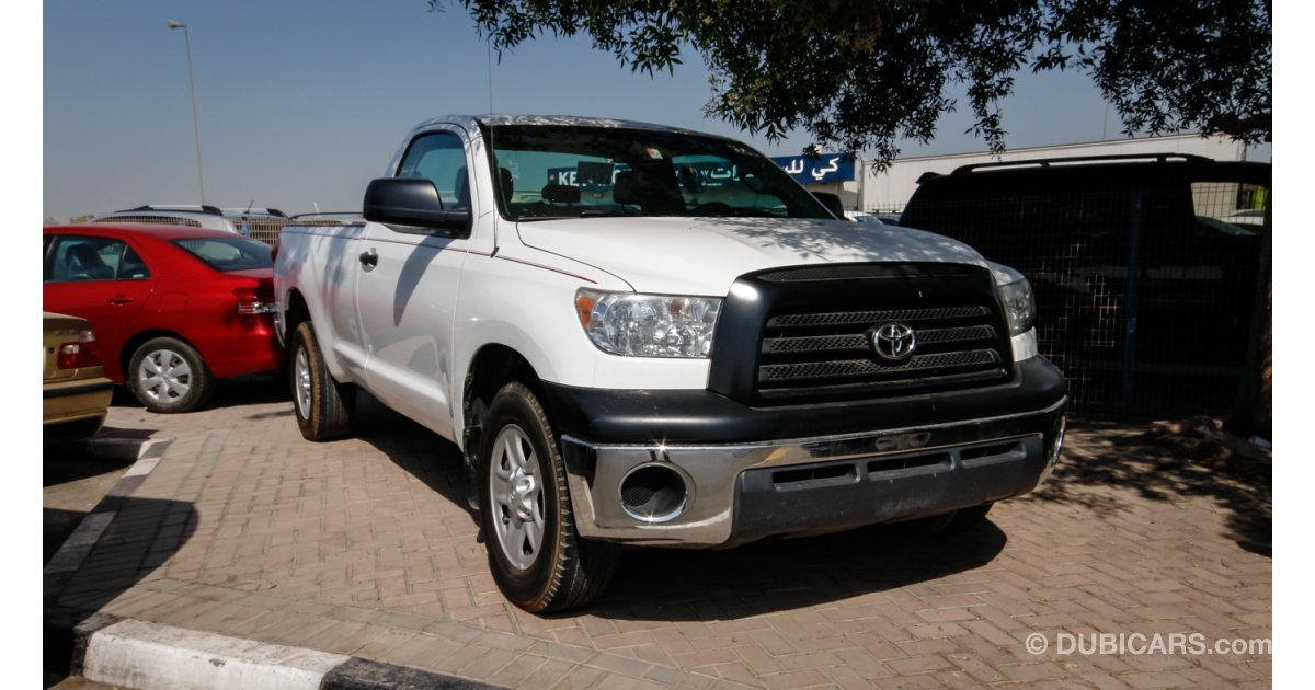 toyota tundra for sale aed 48 000 white 2009. Black Bedroom Furniture Sets. Home Design Ideas