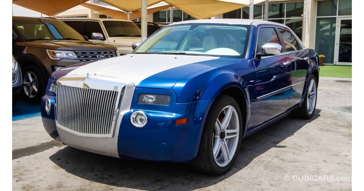 chrysler 300 with rolls royce designe interior for sale aed 45 000 blue 2010. Black Bedroom Furniture Sets. Home Design Ideas