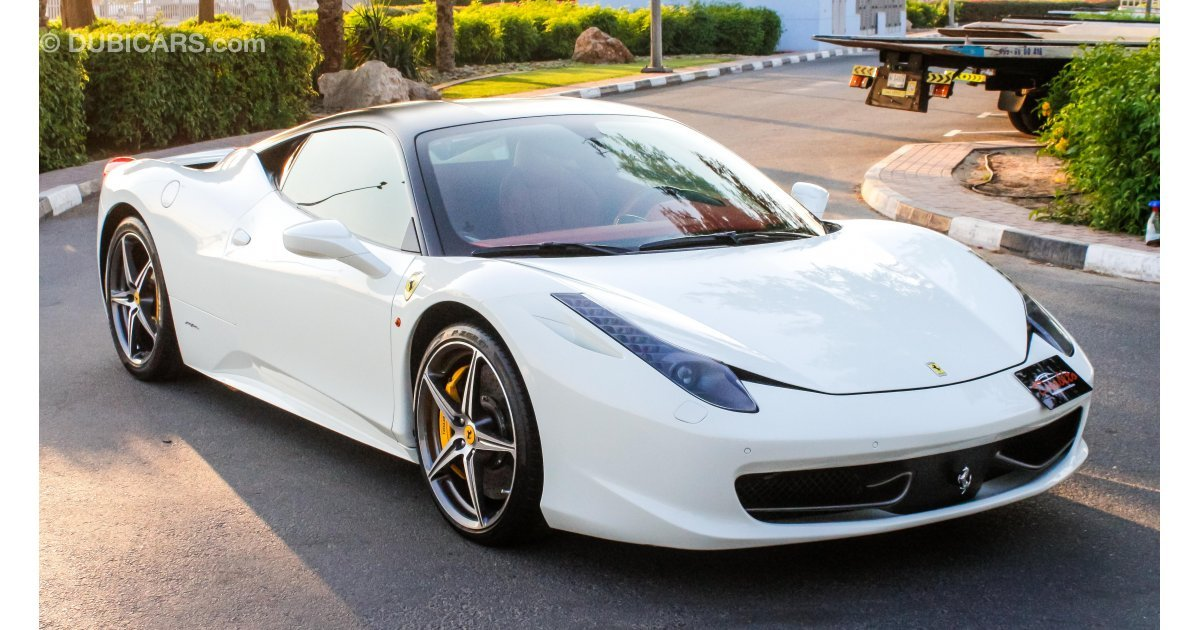 ferrari 458 italia for sale aed 500 000 white 2013. Black Bedroom Furniture Sets. Home Design Ideas