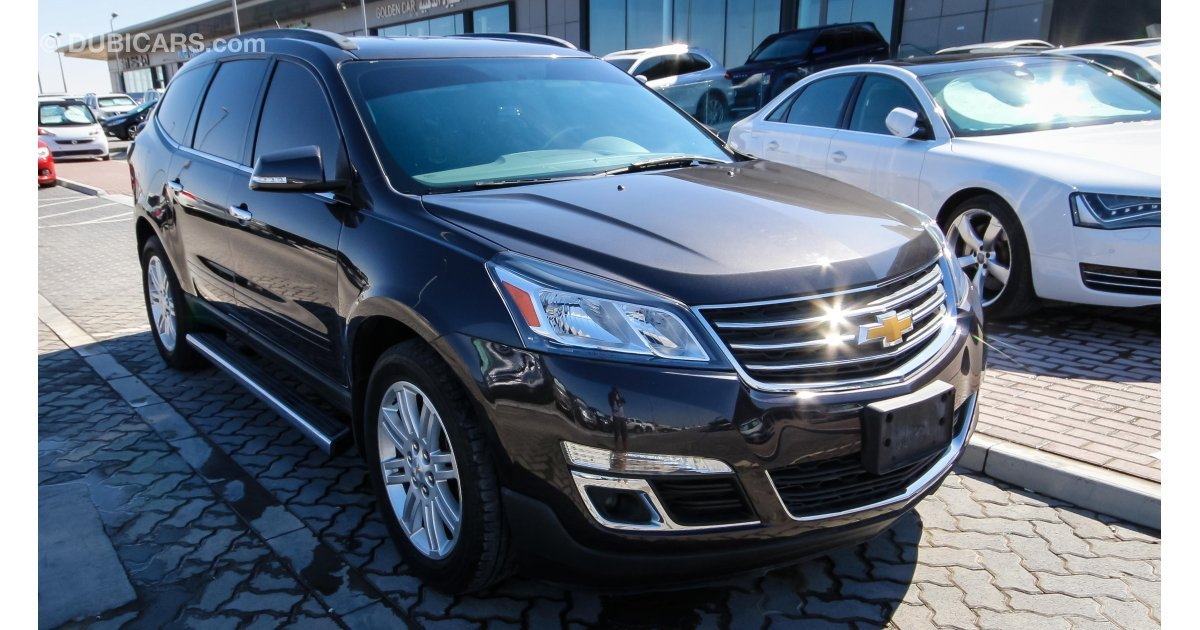 chevrolet traverse lt for sale aed 65 000 grey silver 2014. Black Bedroom Furniture Sets. Home Design Ideas