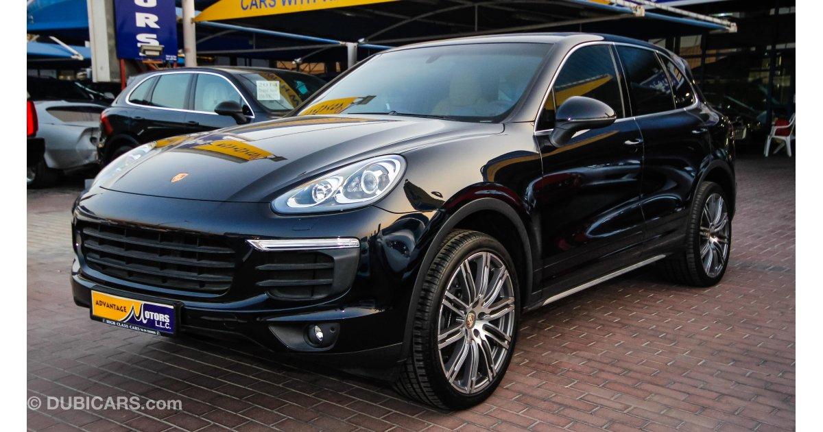 Porsche Cayenne for sale: AED 239,000. Blue, 2016
