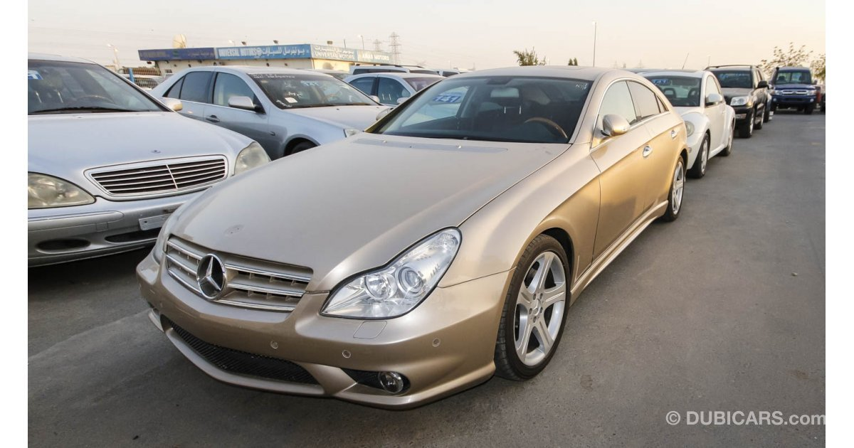 mercedes benz cls 350 for sale aed 60 000 gold 2006. Black Bedroom Furniture Sets. Home Design Ideas