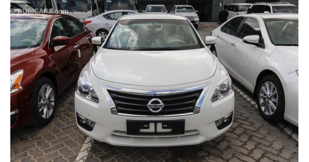 nissan altima 2 5 sv for sale aed 72 000 white 2016. Black Bedroom Furniture Sets. Home Design Ideas